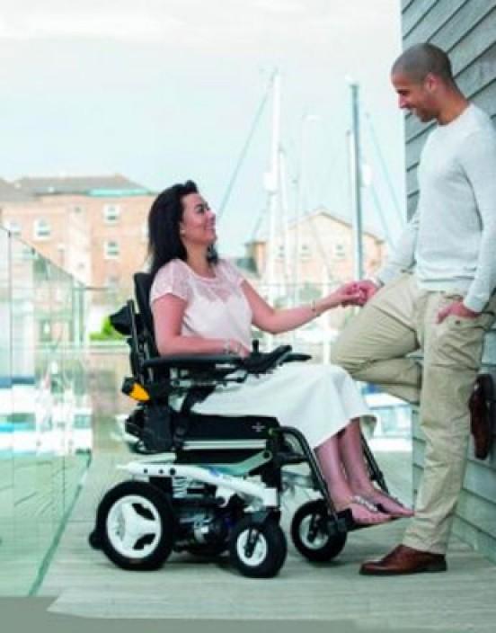 Miete Elektro-Rollstuhl (Basismodell)