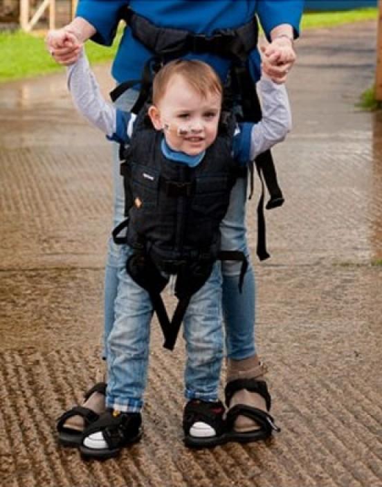 Upsee Mobilitätsgerät für Kinder von Firefly